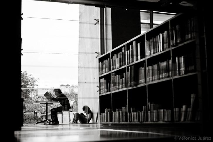 adolescentes leyendo