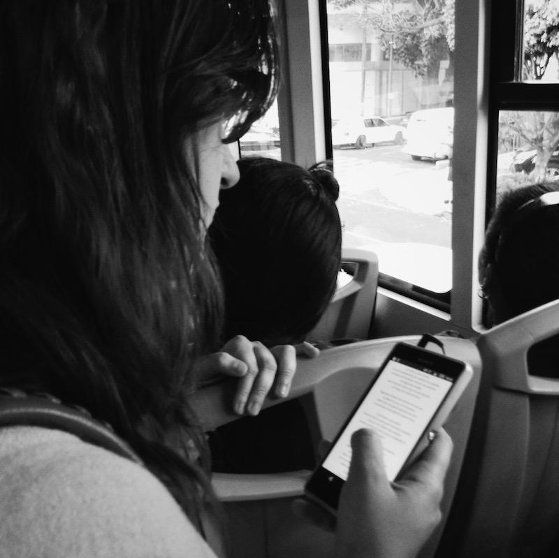 ¿La capacidad de atención en la lectura por placer es menor en las pantallas?